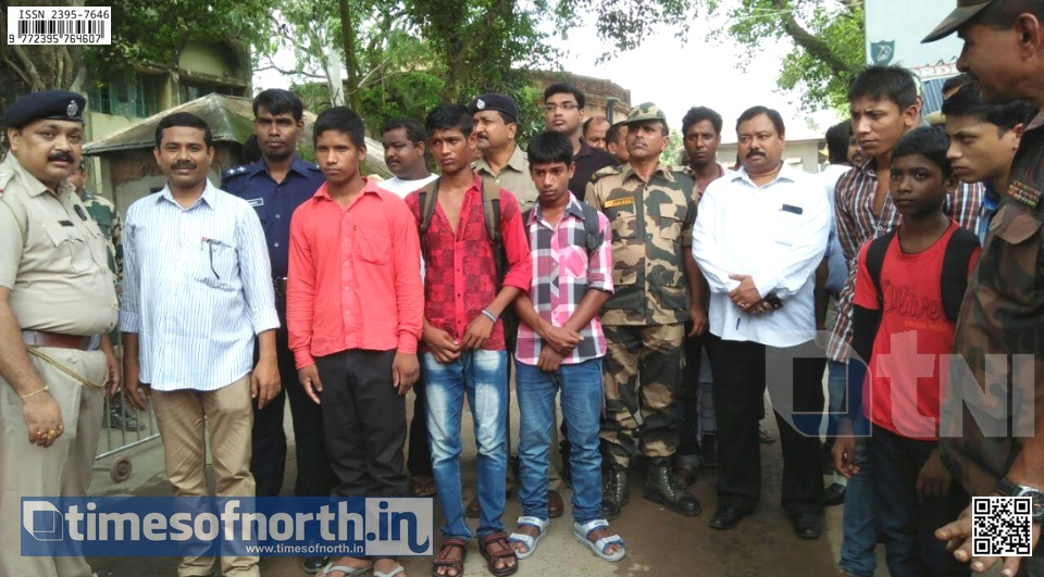 6 Illegal Bangladesh Boys Handed Over to Bangladesh Through Hili Border