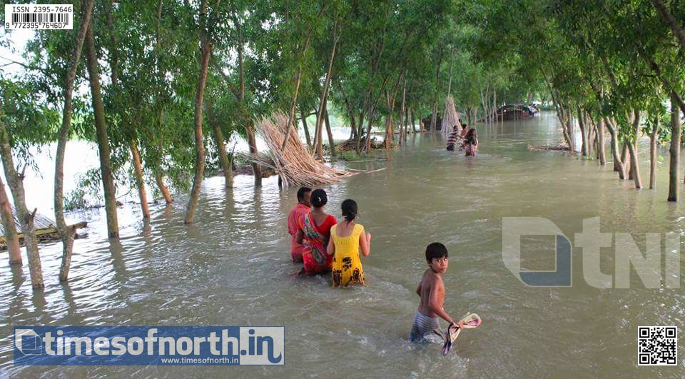 Dakkhin Dinajpur's Kumarganj Block in Doldrums Due to Flood and Water Stay for 6 Days